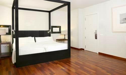 Hotel Banys Orientals em Barcelona - quarto