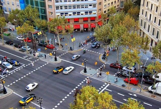 Ruas de Barcelona - carros
