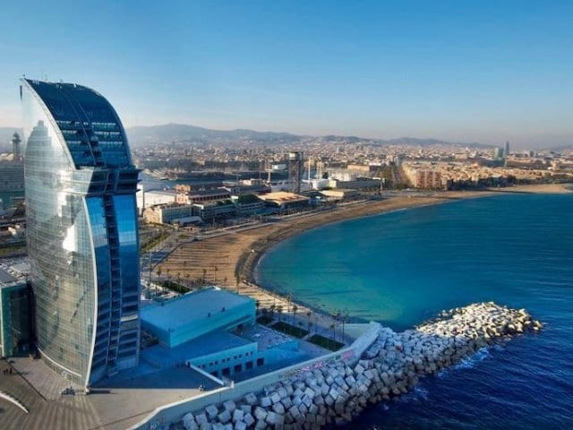 Onde ficar em Barcelona: Praia de Barceloneta