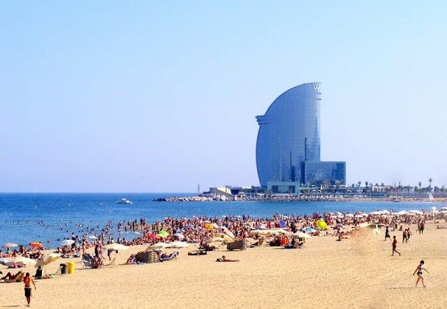 Calçadão da Praia de Barceloneta