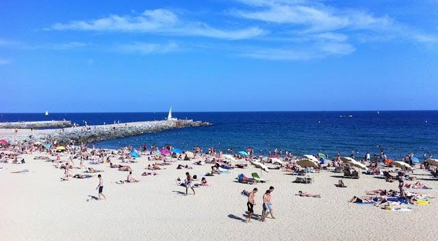 Praia Bogatell em Barcelona