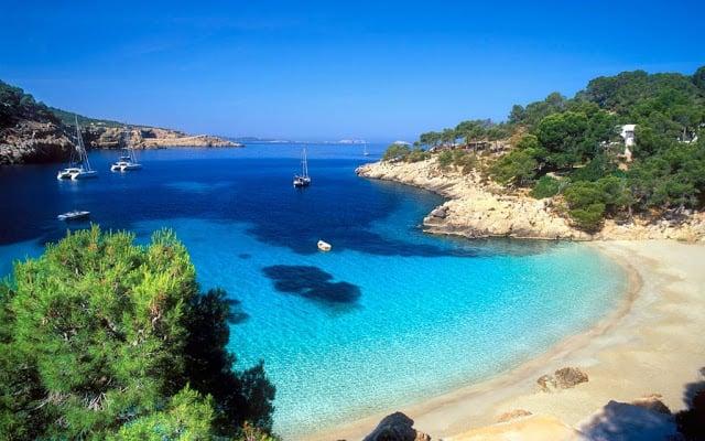 Praia Cala Salada em Ibiza