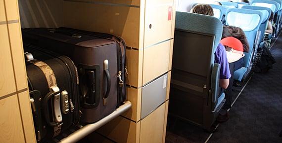 Área para as bagagens no trem