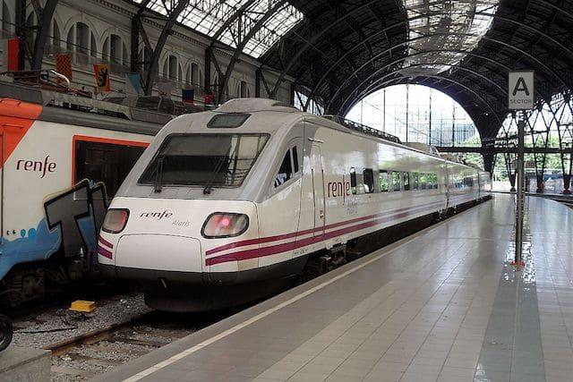 De trem do aeroporto ao centro de Barcelona