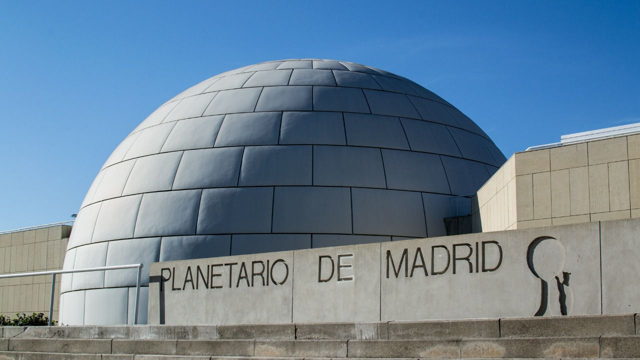Planetário em Madri com crianças