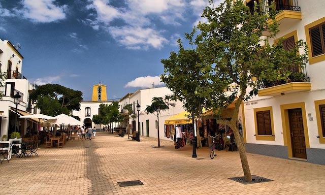 Cidade de Santa Gertrudis em Ibiza