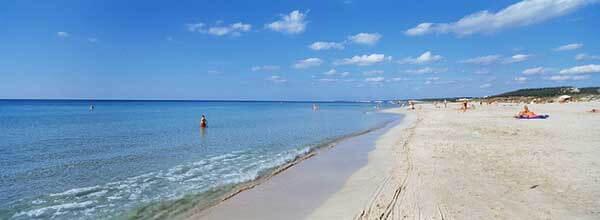 Praia de Son Saura em Menorca