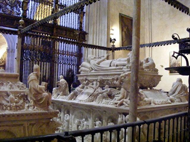Túmulos da Capela Real