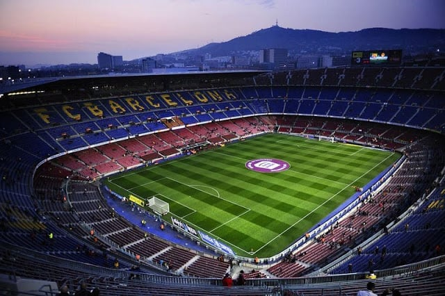 Assistir a um jogo do Barcelona com os pequenos