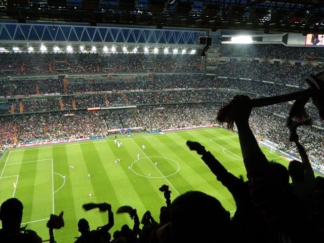 Jogo no Estádio do Real Madri