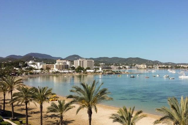 Cidade de San António em Ibiza