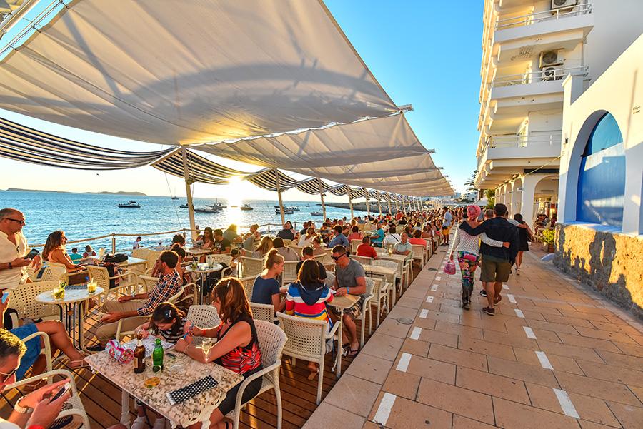 Vista do Cafe Del Mar