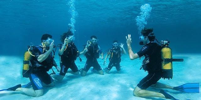 Passeio de barco e mergulho em Ibiza
