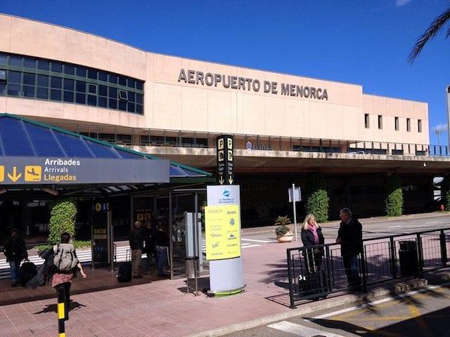 Como ir do aeroporto de Menorca até o centro turístico