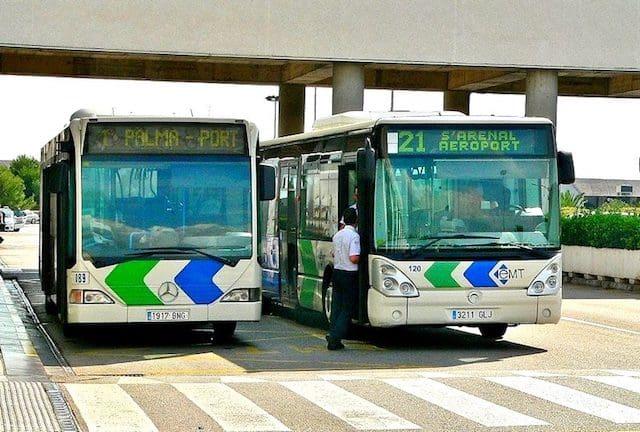 De ônibus do aeroporto ao centro de Palma de Maiorca
