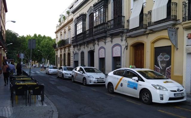 Táxi do aeroporto ao centro de Sevilha