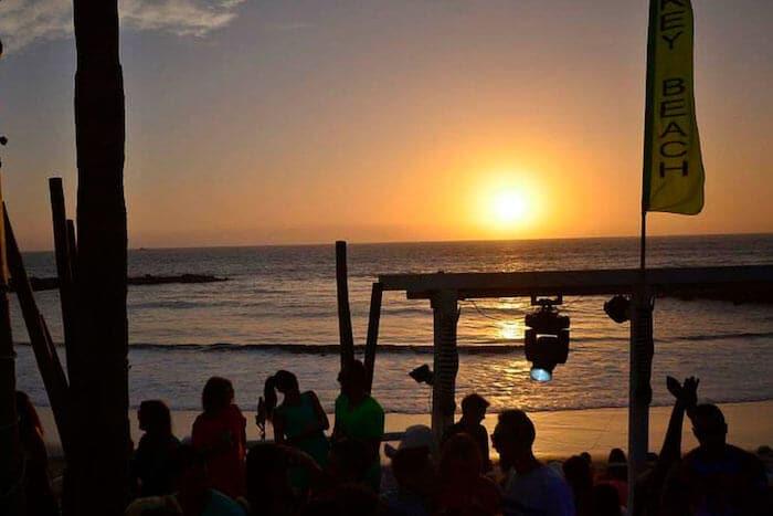 Pôr-do-Sol no Monkey Beach Club em Tenerife