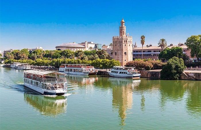 Passeio de barco pelo Rio Guadalquivir