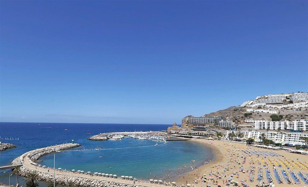 Playa Puerto Rico em Gran Canaria