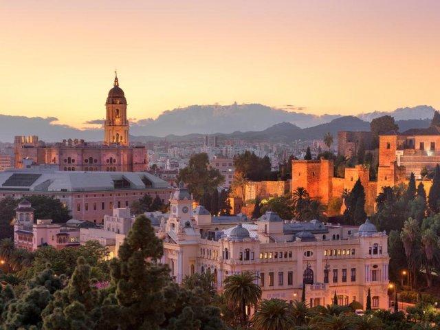 Quanto custa uma passagem para Málaga