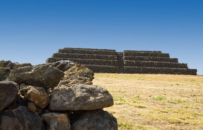 Pirâmide de Guimar em Tenerife de dia