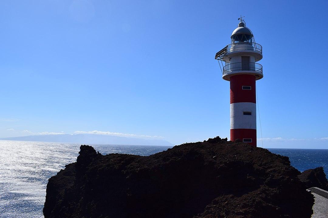 Farol de Punta de Teno