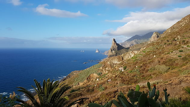 Vista do mar nas Montanhas de Anaga